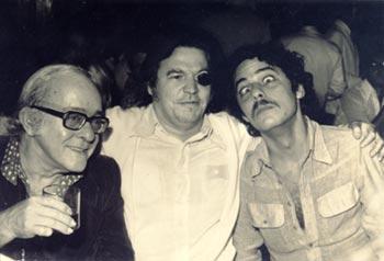 Da direita pra esquerda: Chico Assustado, Tom com tapa-olho e Vinícius... bom Vinícius está bêbado, no canto esquerdo ao menos tudo parece normal.